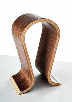sieveking sound - headphone stand omega walnut
